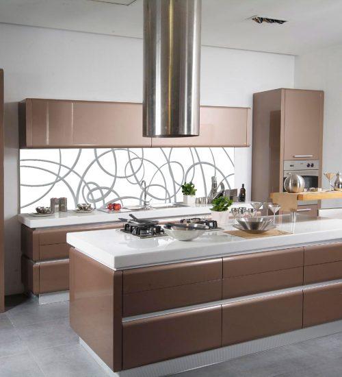 Paraschizzi cucina in vetro decorato le superfici for Rivestimento cucina