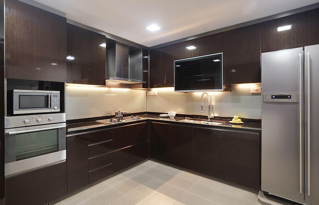 Paraschizzi cucina in vetro decorato le superfici igieniche e ultraresistenti for Hdb wet and dry kitchen design
